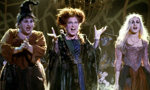 bette-midler-hocus-pocus-i-put-a-spell-on-you